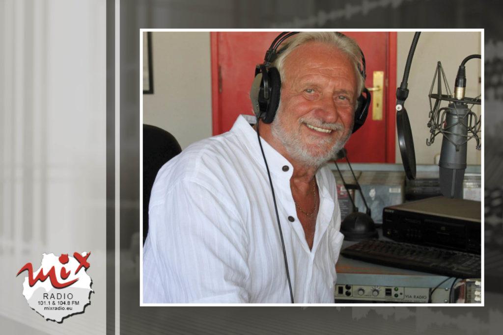 Mix Radio Team - Moderator Johnny Coster